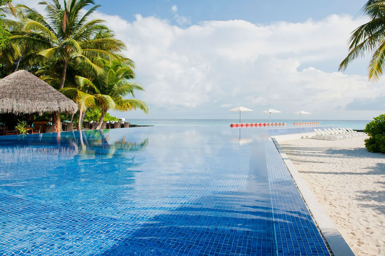 Kuramathi Island Resort In Rasdhoo Atoll Maldives Architecture Design Island Resort Maldives Resort Resort