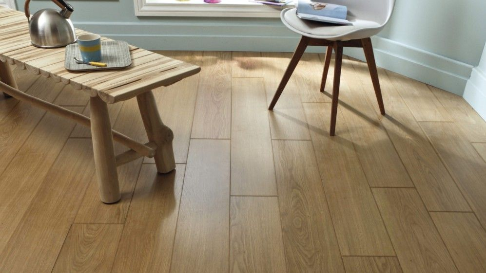 Sol stratifi essentiel ch ne naturel saint maclou for Saint maclou parquet stratifie