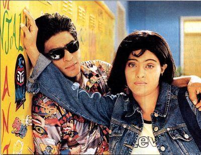 Kuch Kuch Hota Hai Rani Mukharjee S Short Skirts And Kajol S Tomboy To Pretty Lady Looks Wer Bollywood Outfits Shah Rukh Khan Movies Shahrukh Khan And Kajol