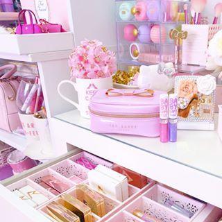 Slmissglambeauty boutique store slmissglambeauty for Dormitorio kawaii