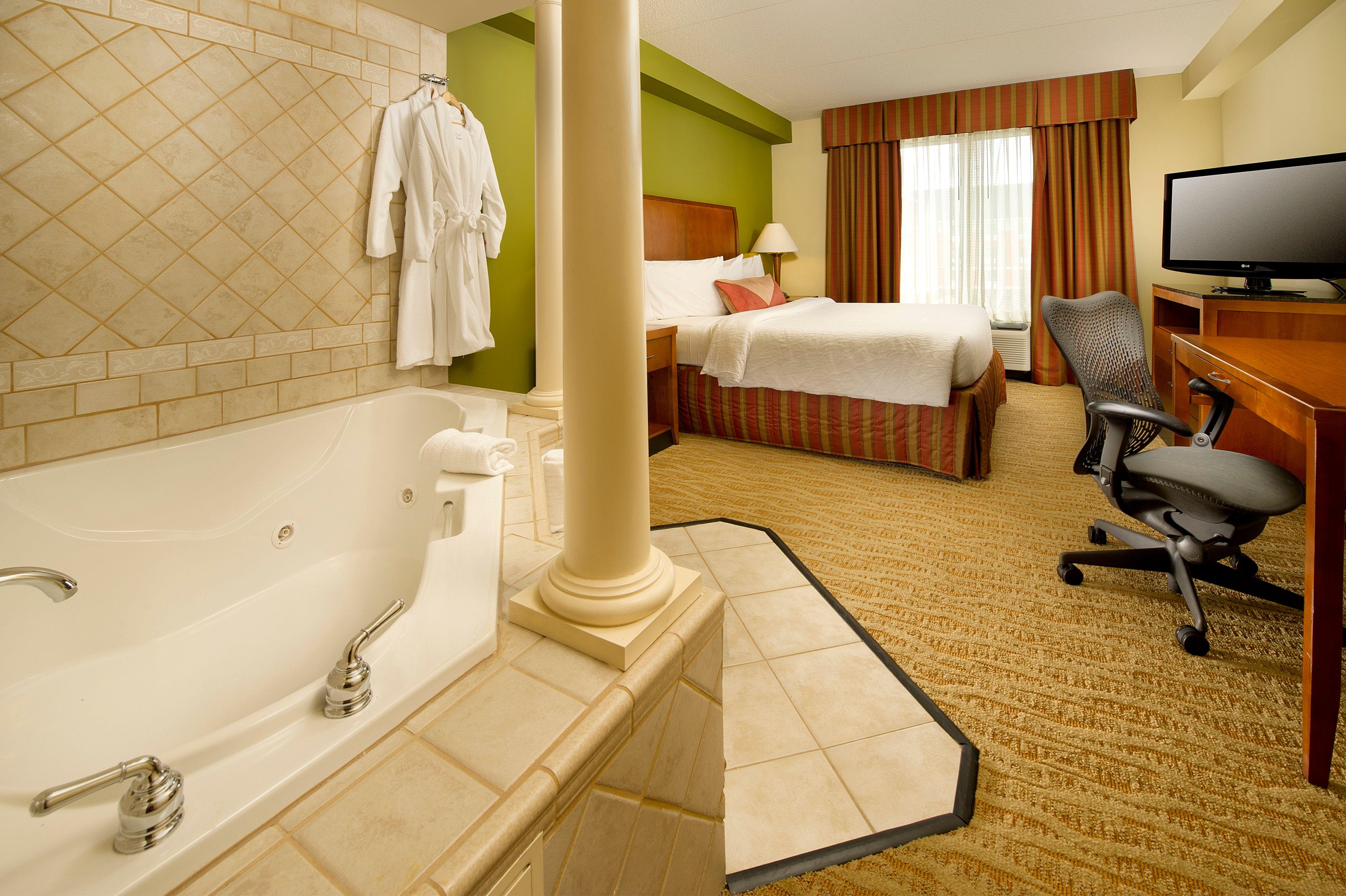 King Whirlpool Guest Room | Rooms & Amenities | Pinterest