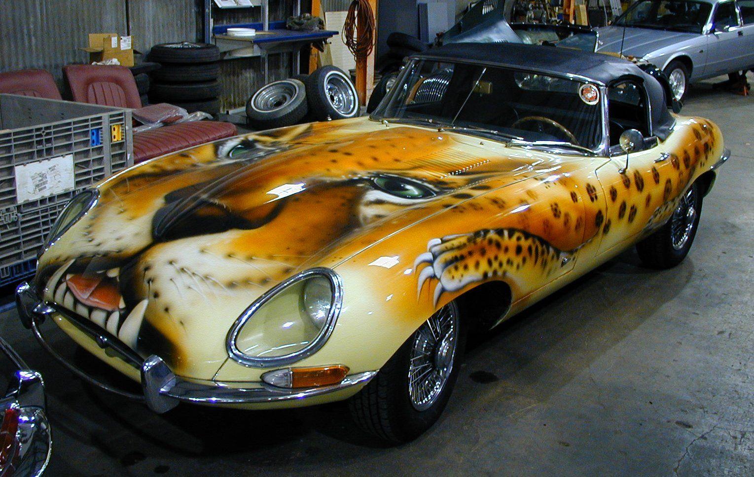 Special cars: Jaguar E-Type 5,3 V12 supercarsgarage.com