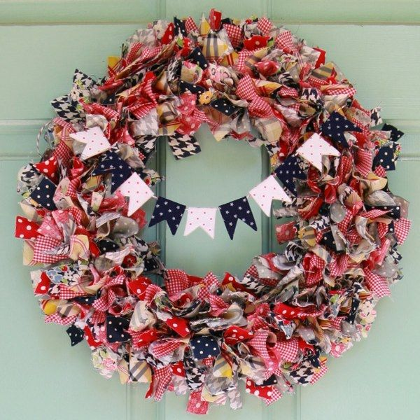 Raid your scrap bag to make this pretty summer rag wreath (@ My So Called Crafty Life) ...gonna make one of these! So cute! Won't do the middle strand but love this!