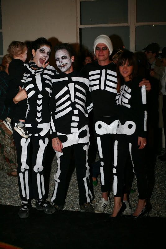 Skeleton Family Halloween Costumes.30 Scary Halloween Costume Ideas That Will Send Chills Down