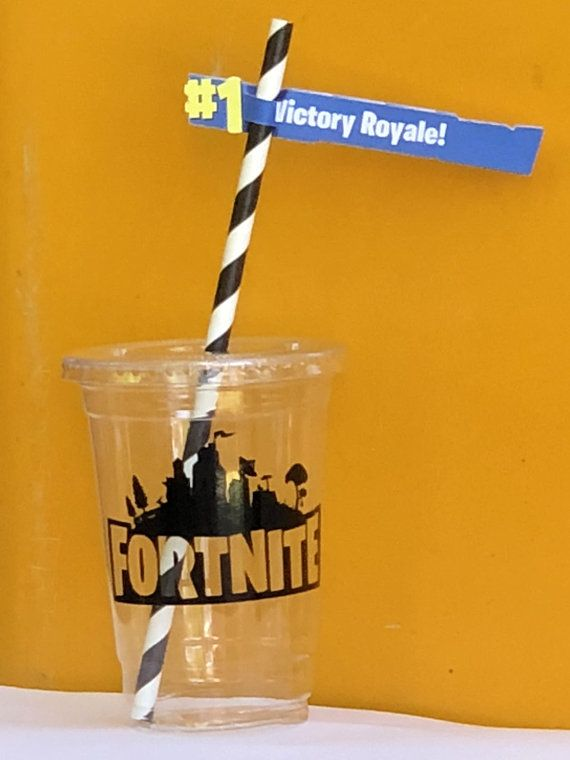 Show Off Your Slurp Juice Or Potions In These Epic Clear Fortnite Party Cups With Lids Black And White Striped Paper S Cumpleanos Cumple Cumpleanos Infantiles