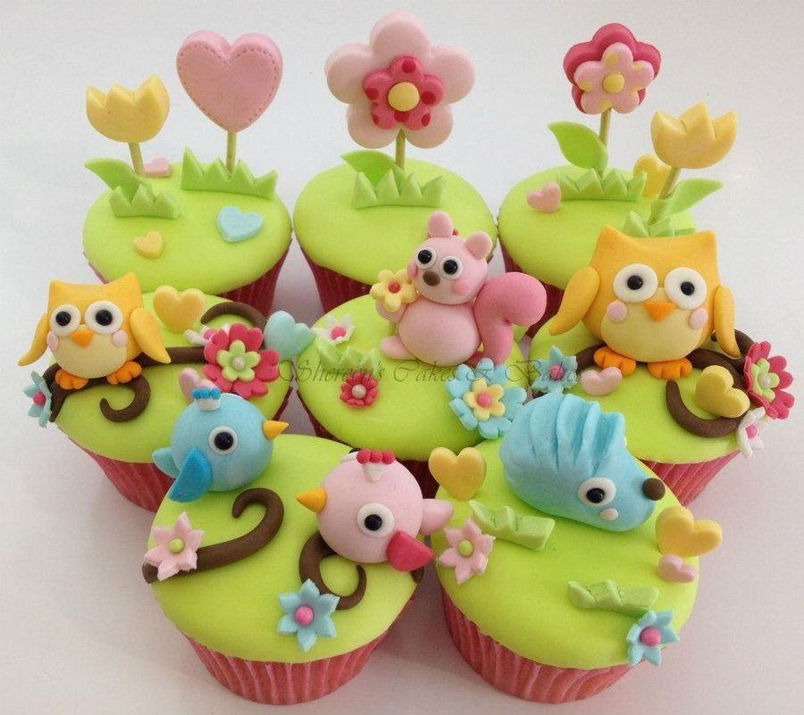 Beautiful Woodland Animal Themed Cupcakes.
