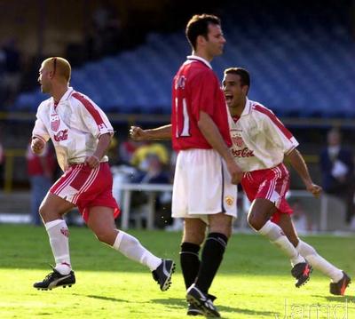 Partidos Historicos: Mundial de Clubes 2000 | MANCHESTER UNITED 1-1 NECAXA... Christian Montecinos. Goleador Chileno. Autor del gol necaxista en tiro libre.