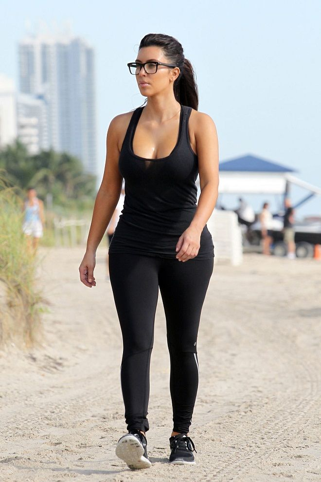 Kim Kardashian flaunts curves in black workout wear in Miami