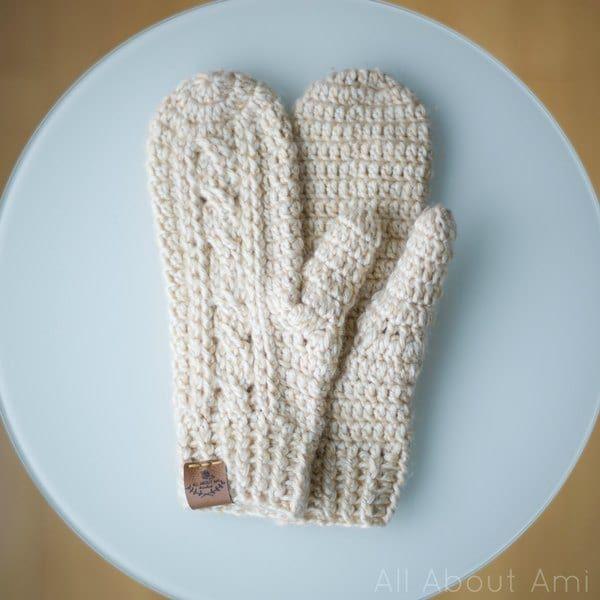 Crochet Cabled Mittens | Crochet | Pinterest | Proyectos de ...