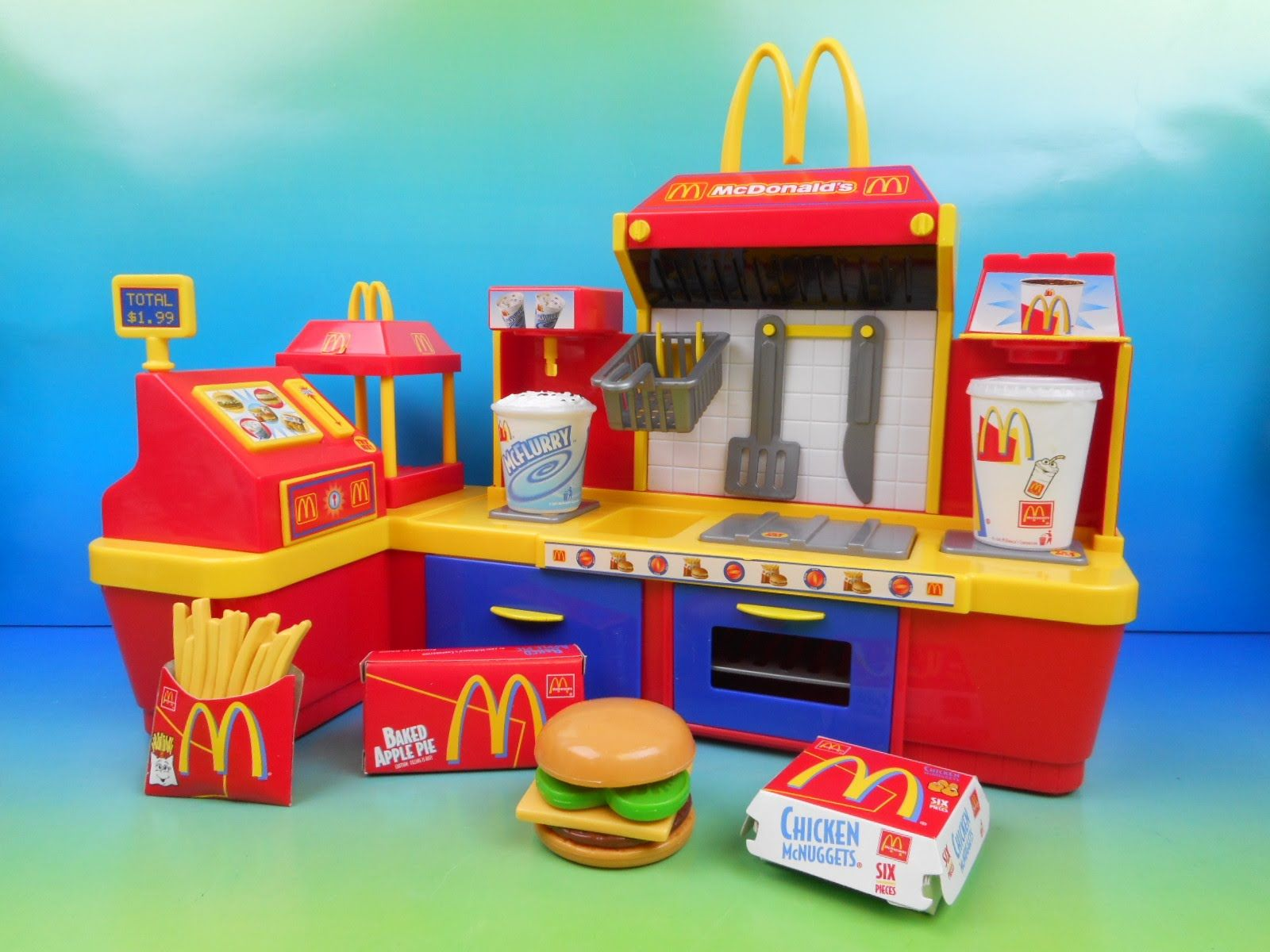 Mcdonald S Electronic Fast Food Center 18 Piece Kid S Play Set Fastfoodtoyreviews Kids Play Kitchen Accessories Kids Play Kitchen Kids Play Set