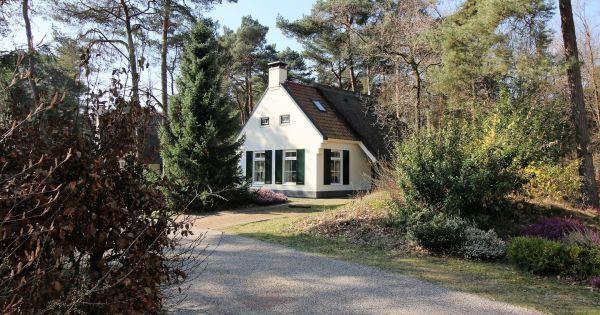 Landhuis Ooievaar Comfort 6 Begane grond: Ruime woonkamer met tv en ...