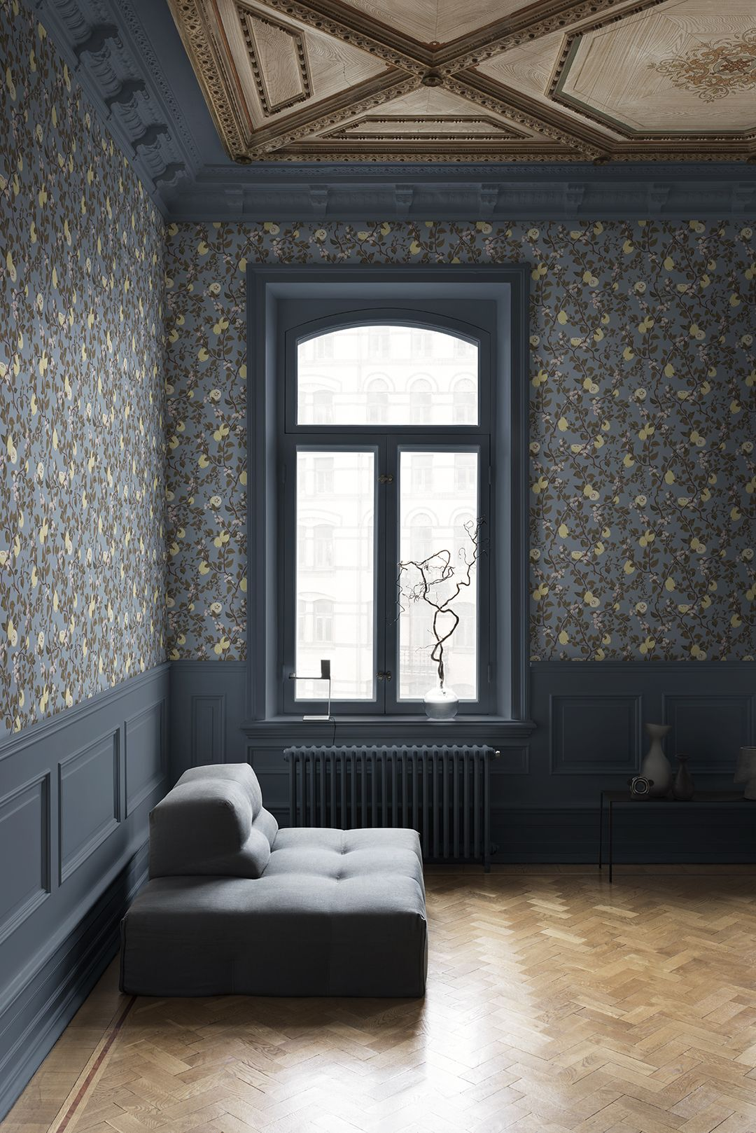 Floral Wallpaper In 2020 Blue Wallpaper Living Room Wallp