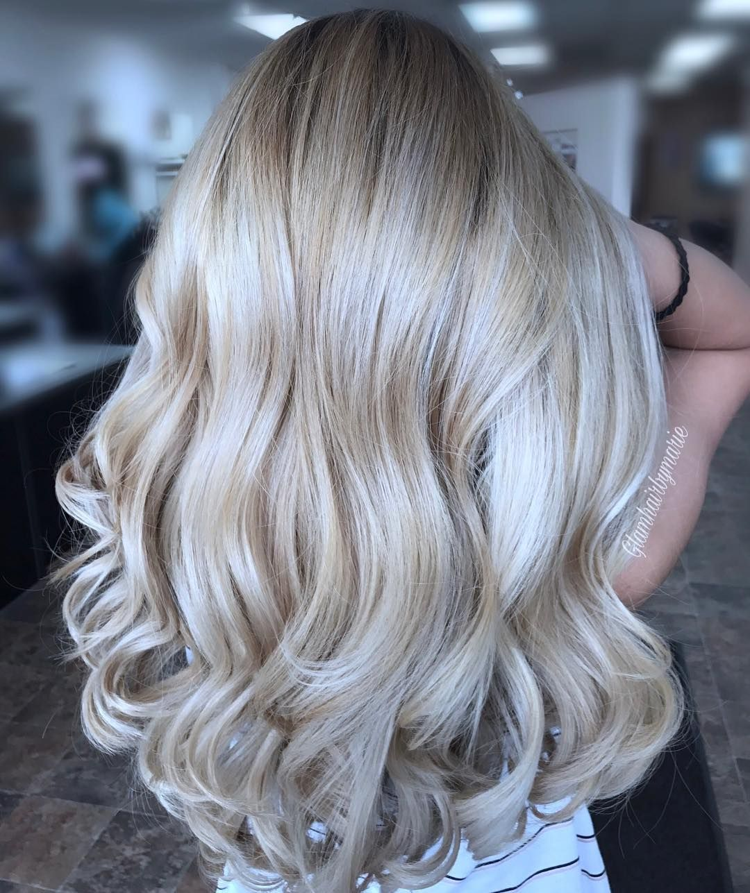Such A Pretty Mix Of Platinum And Buttery Blonde Blonde Blondehighlights Platinumblonde Champagne Blonde Hair Buttery Blonde Hair