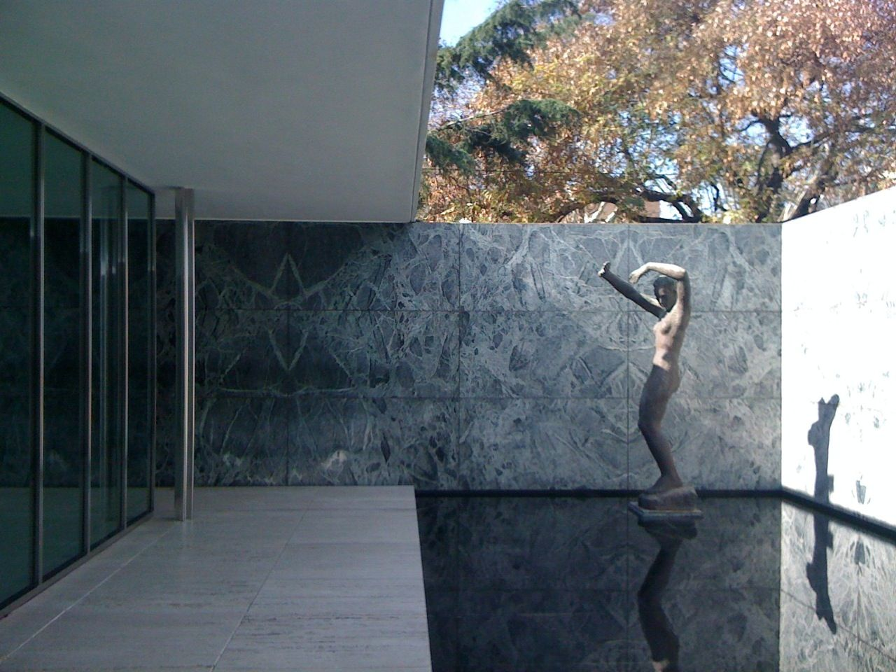 ludwig mies van der rohe barcelona pavilion 1929. Black Bedroom Furniture Sets. Home Design Ideas