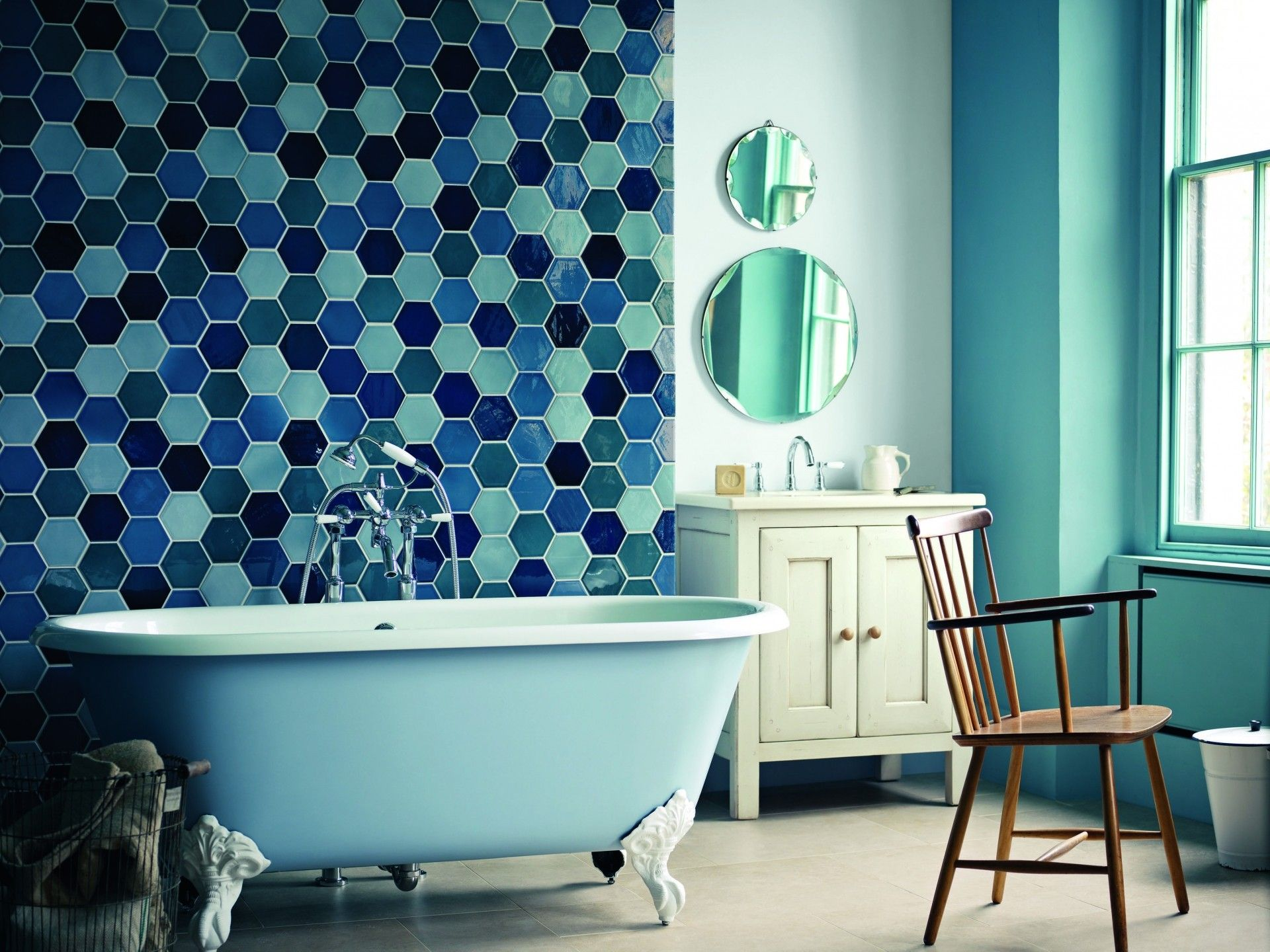 Cute Blue Fiberglass Stand Alone Clawfoot Tub And Blue Hexagon ...
