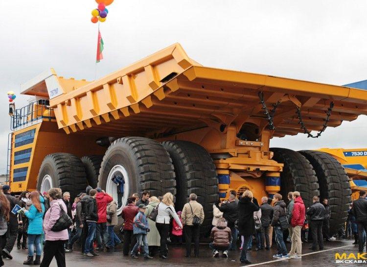 World S Biggest Truck With Images Big Trucks Trucks Heavy