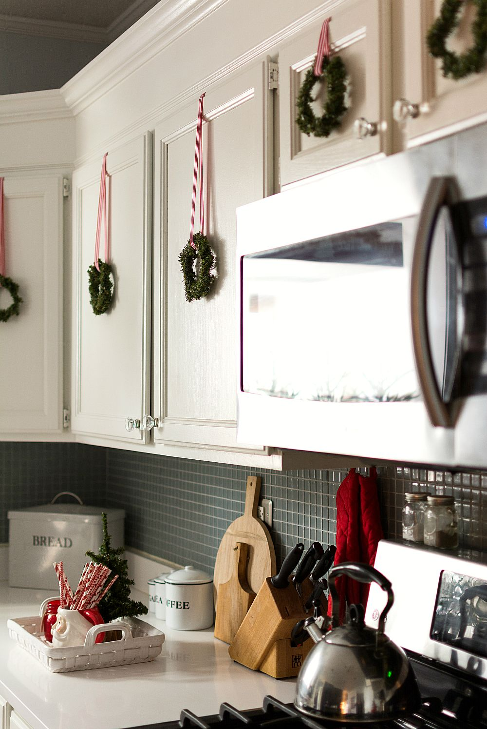 Christmas In The Kitchen Christmas Kitchen Decor Christmas Kitchen Kitchen Xmas Decor
