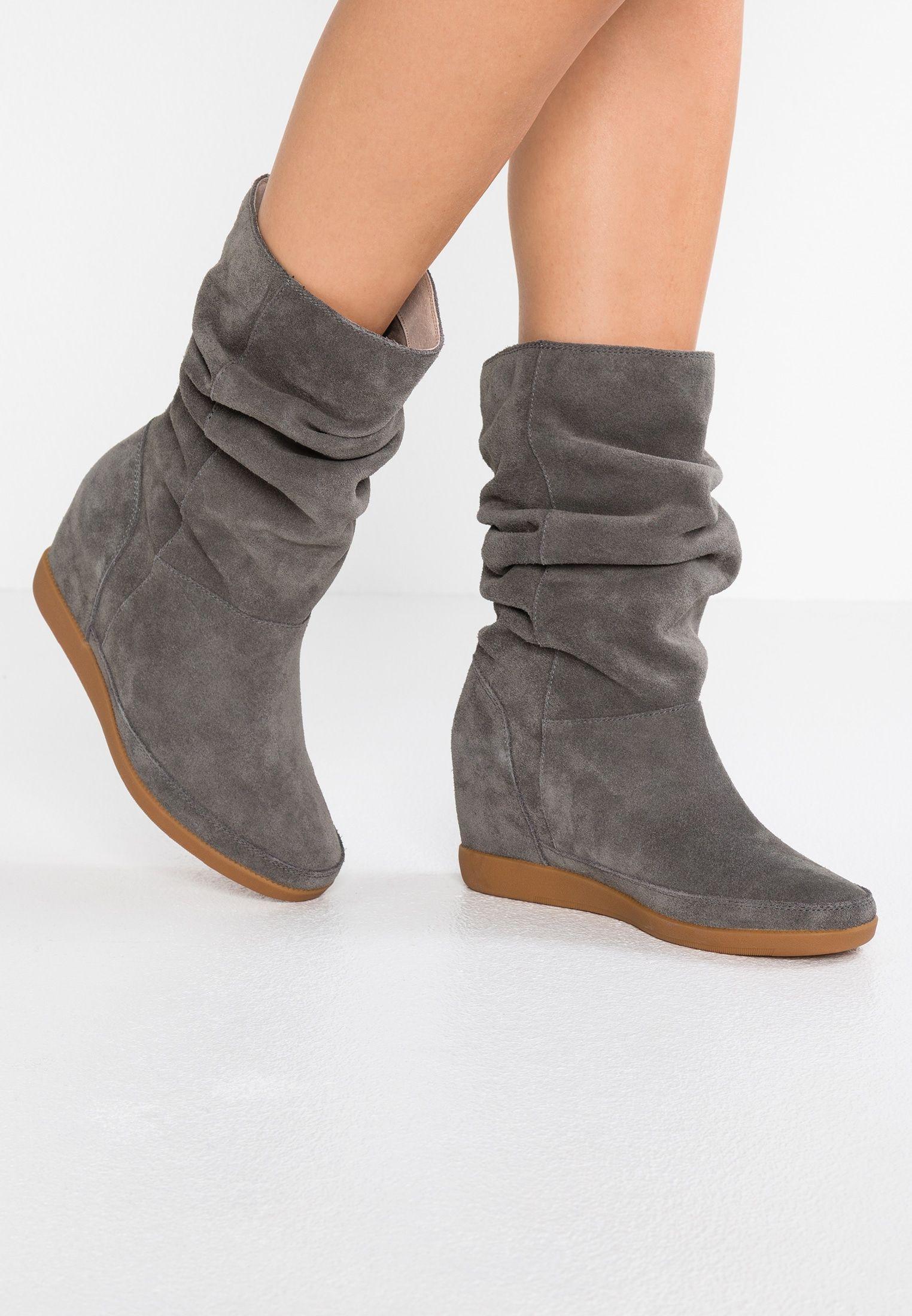 sale retailer 200df f1a88 EMMY SLOUCHY - Wedge boots - dark grey @ Zalando.co.uk ...