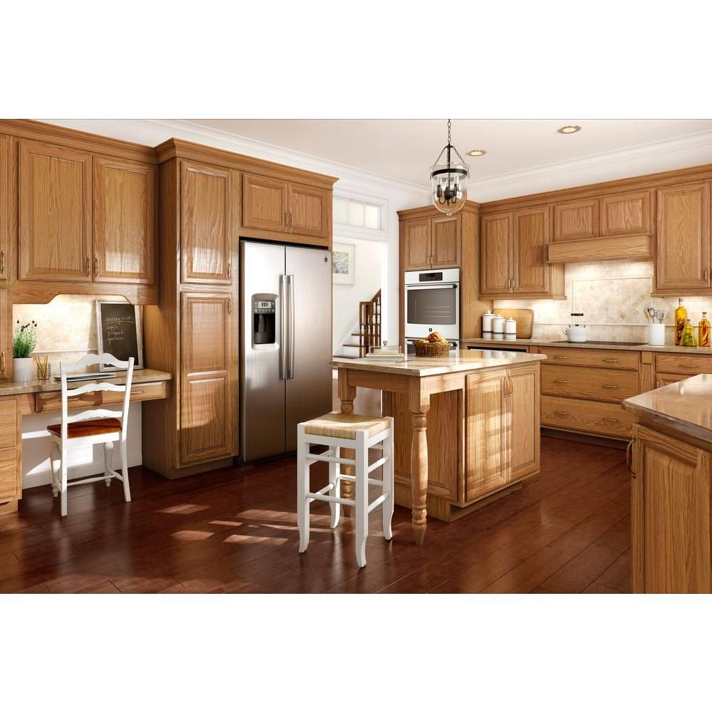 American Woodmark Portland 13 X 12 6 7 In Cabinet Door Sample In Honey 99904 The Home Depot Stained Kitchen Cabinets Honey Oak Cabinets Glazed Kitchen Cabinets