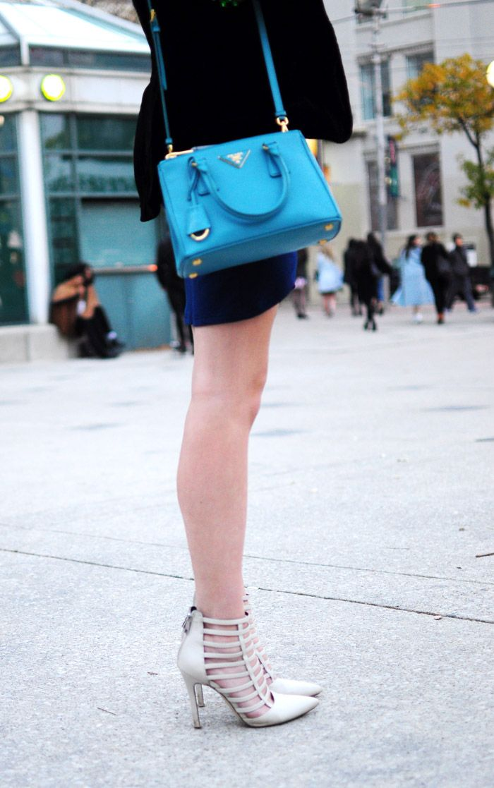 674d01c191da toronto fashion week street style cage heels