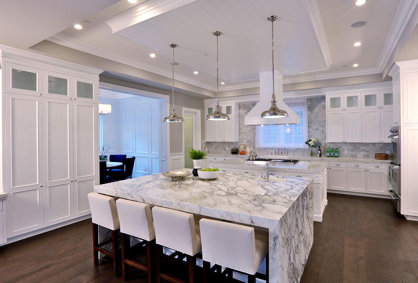 Luxury Modern White Kitchen With Marble Island White Marble Kitchen White Modern Kitchen Luxury Kitchens