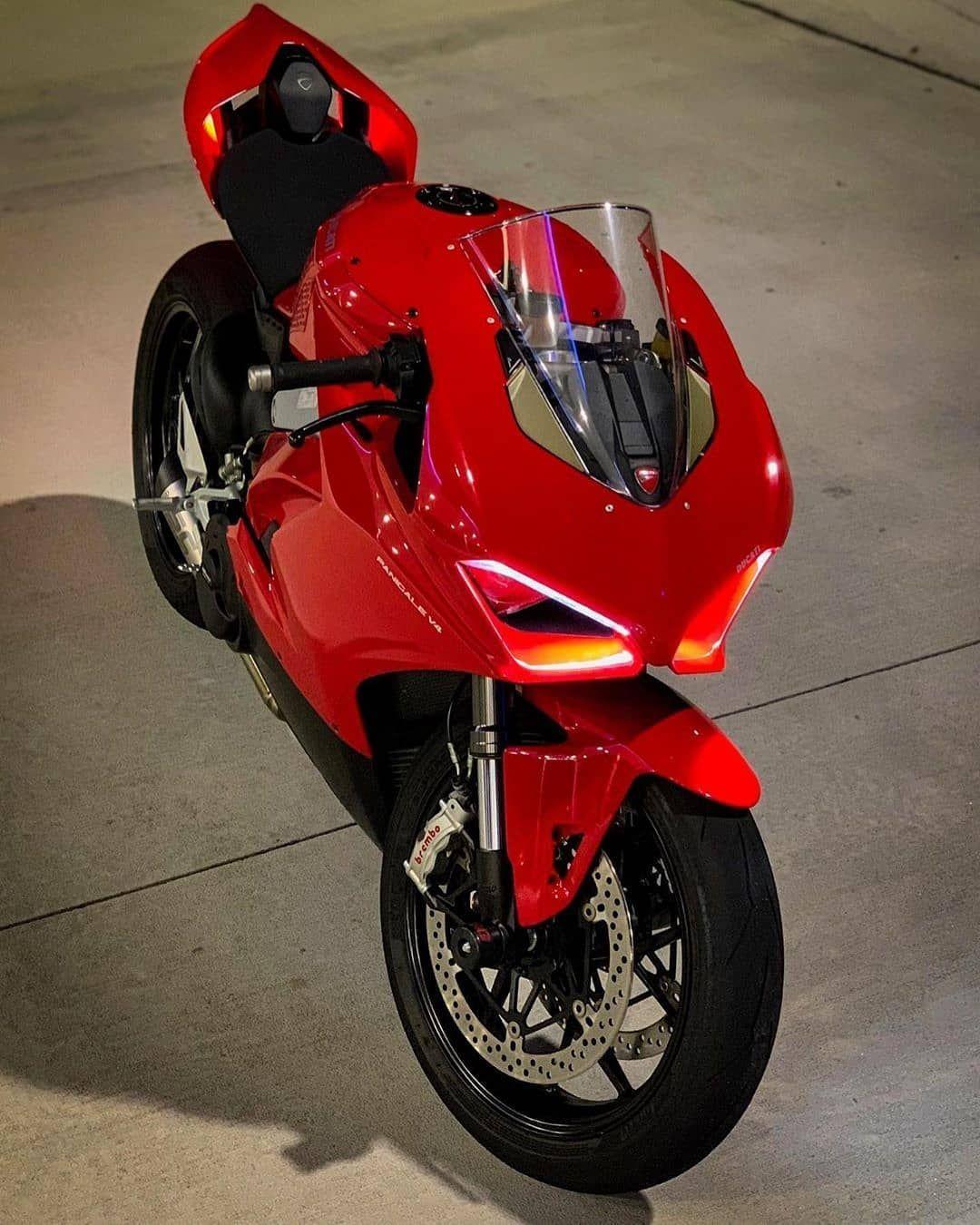 Panigalers On Instagram Chowski Moto No Filter Motogp Photography Ducatinstagram Lightech Ducativ4 Motomi Ducati Motorbike Racing Bikes Moto Ducati