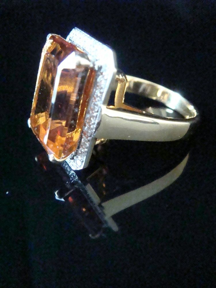 Image of 18CT YELLOW GOLD BAGUETTE CUT CITRINE 12.18CT AND DIAMOND 0.33CT RING