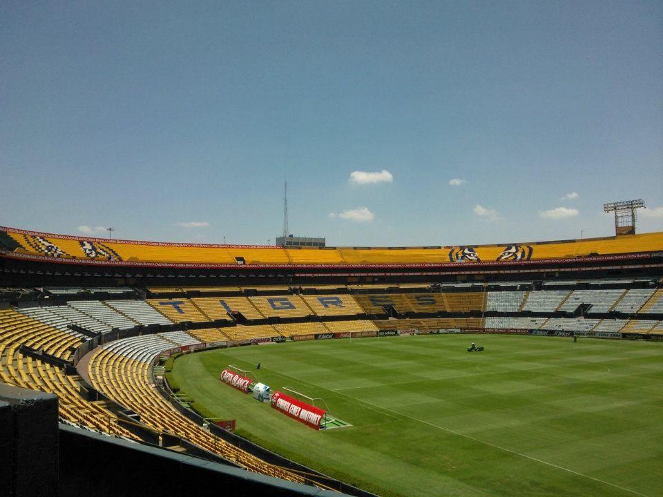 Estadio universitario tigres uanl san nicol s de los for Puerta 9 estadio universitario