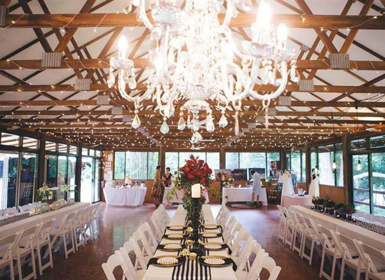Wedding Planning Bundaleer Rainforest Gardens Qld Has A Range Of Indoor And Outdoor Es For Your