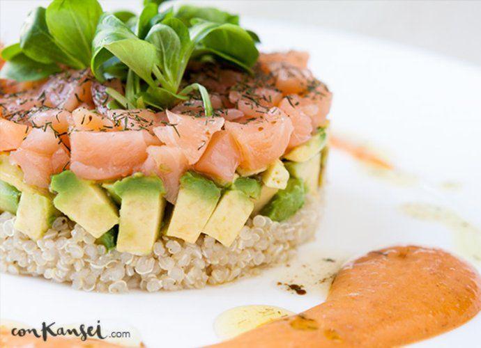 Ensalada de quinoa con aguacate y salm n para mycook http for Como se cocina la quinoa para ensalada