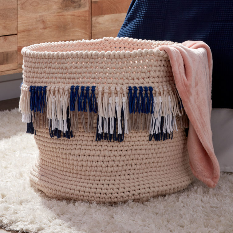 FRINGE IT CROCHET BASKET - KnitCraft #crochet #knitting #pattern #basket #home #homedecor