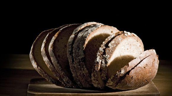 Zehn Jahre lang hat unser Autor auf Brot und Nudeln verzichtet. Umsonst! Gluten verursacht ihm gar kein Bauchgrimmen. Viele Deutsche leben wohl mit dieser Fehldiagnose.