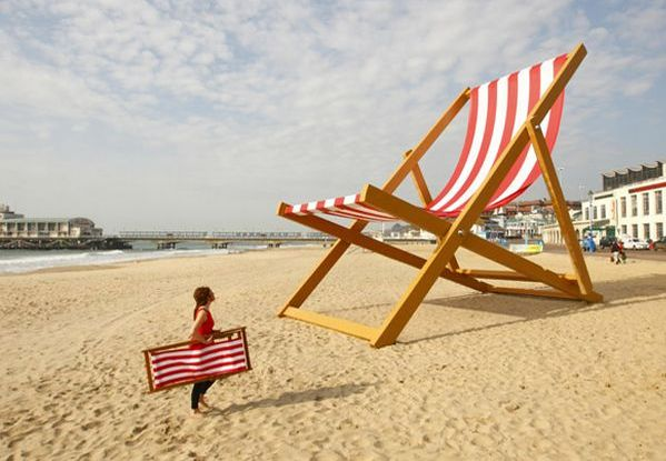 Incredible The Giant Deck Chair Bournemouth Beach Beach Chairs Deck Lamtechconsult Wood Chair Design Ideas Lamtechconsultcom