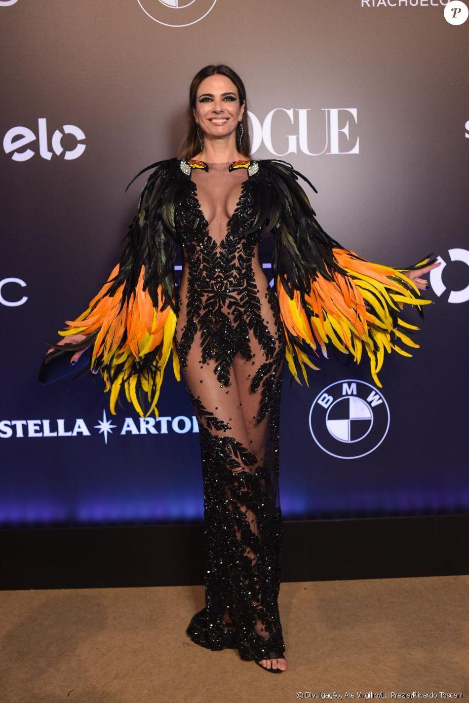 6a4167388 Luciana Gimenez de Isabella Narchi no Baile da Vogue, realizado no Hotel  Unique, em
