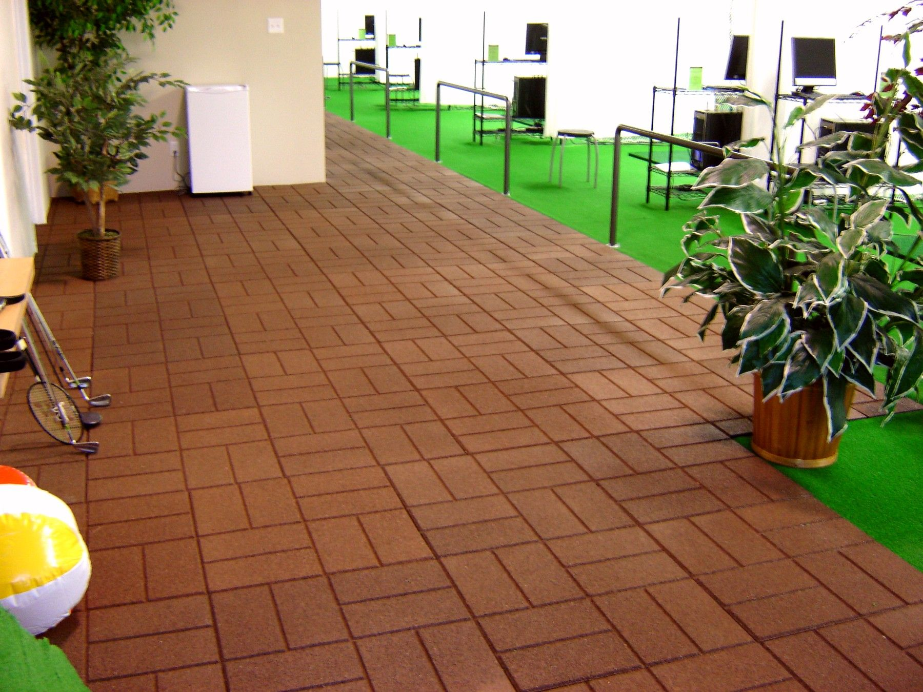 rubber garden tiles Google zoeken Rubber patio