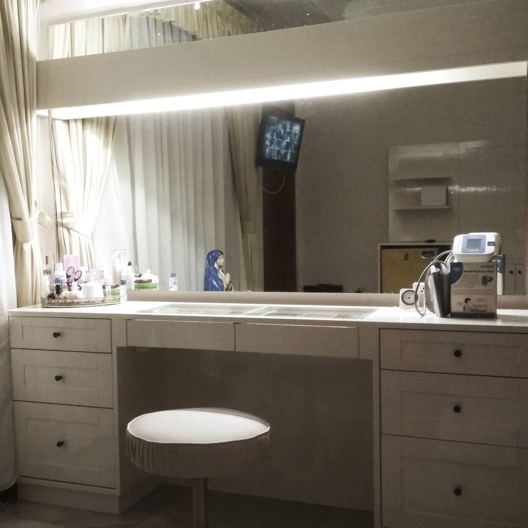 Pin By Terry Beard On The Makeup Room Bathroom With Makeup Vanity Bathroom Vanity Vanity Combos