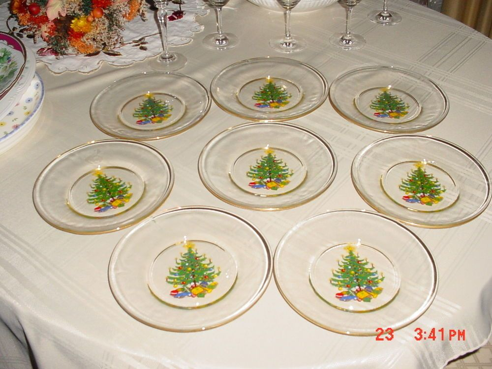 Set Of 8 Clear Glass 8 Dessert Plates With Christmas Tree Design Gold Rim Christmas Tree Design Christmas Plates Clear Plates