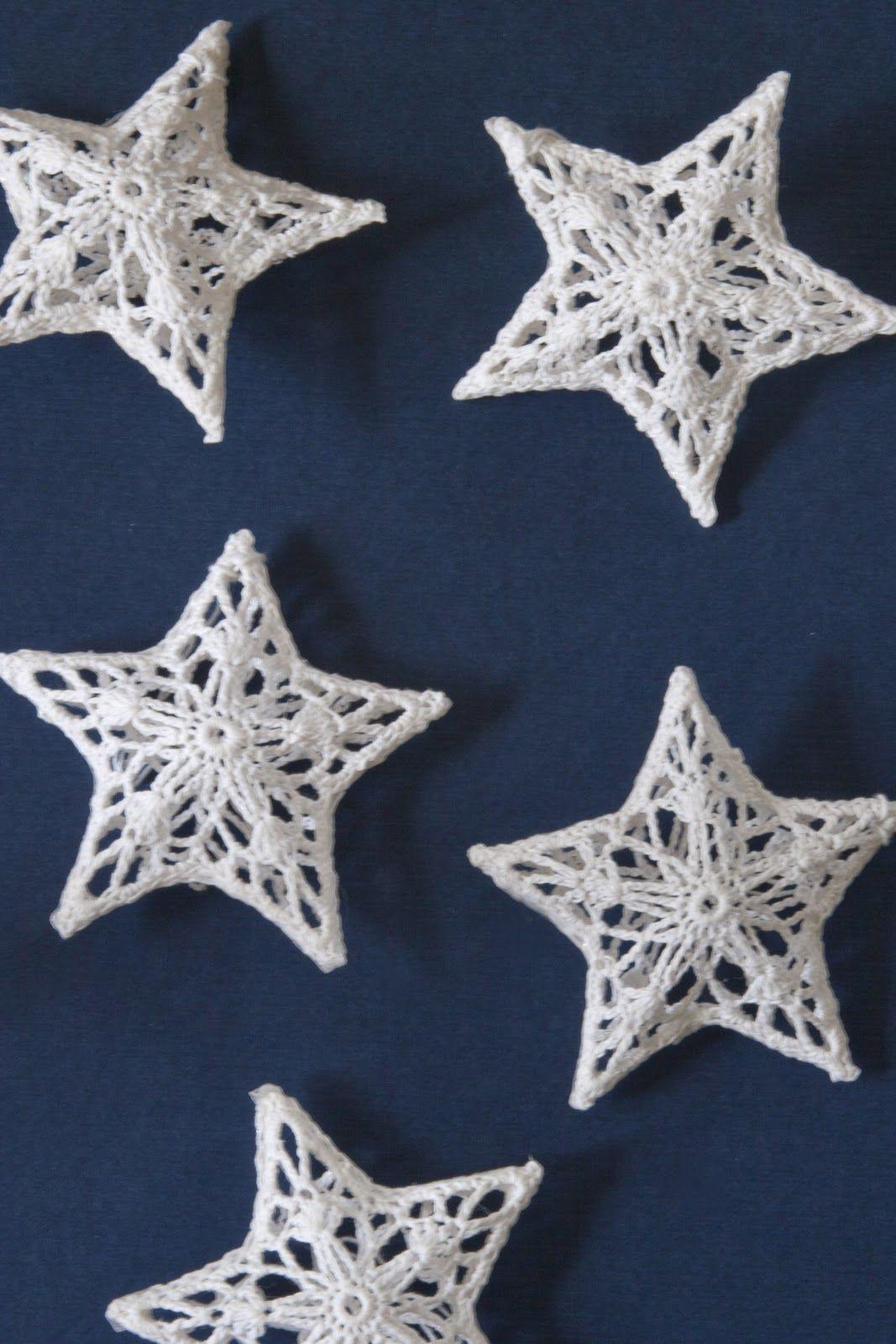 white crochet star decs winter und weihnachten pinterest weihnachten h keln schneeflocken. Black Bedroom Furniture Sets. Home Design Ideas