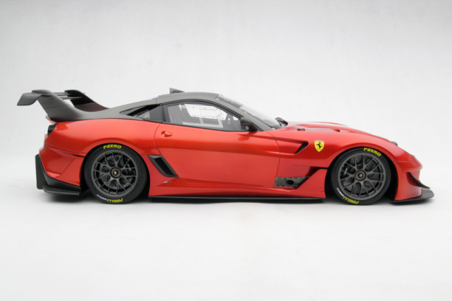 Ferrari 599xxevoluzione Model Car In 1 8 Scale By Amalgam Diecast Model Cars Car Model Ferrari