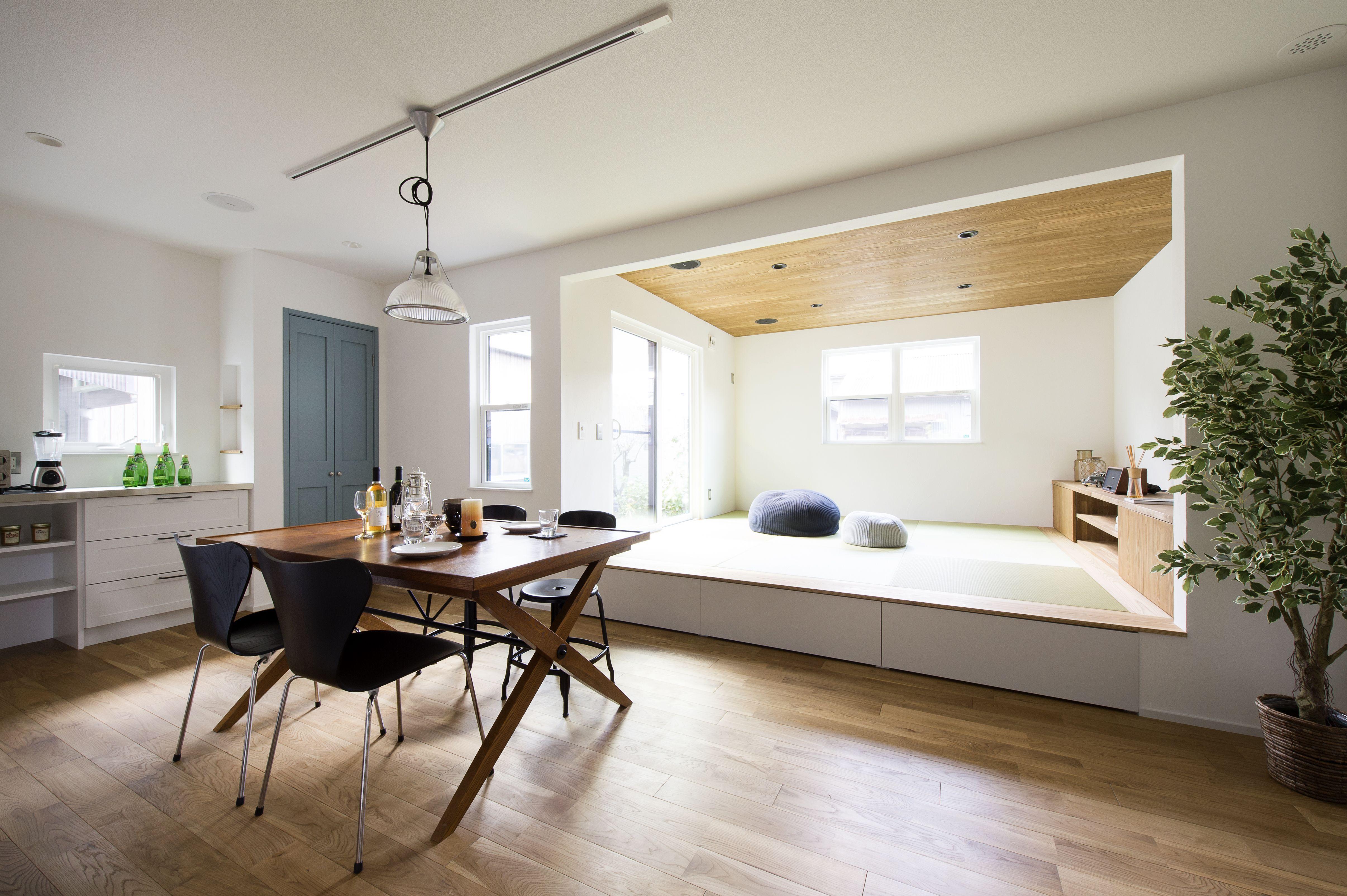 畳リビングでくつろぐ家 インテリア 無垢 リビング 模様替え