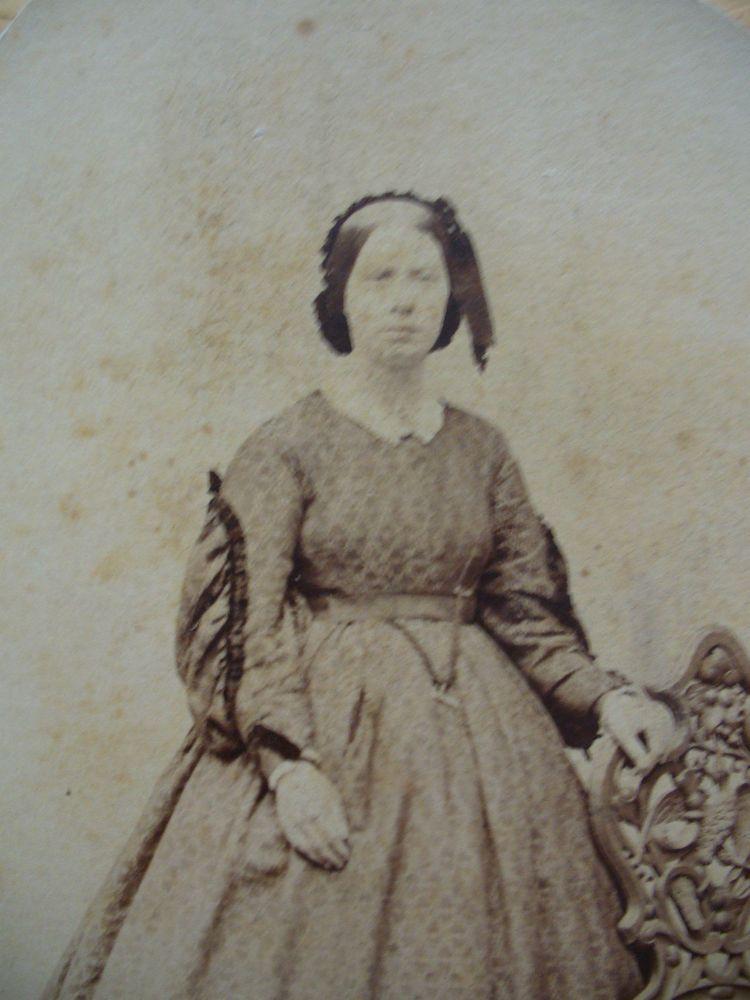 CIVIL WAR ERA CDV-LADY IN PRETTY HOOP DRESS BY HIPPLE-PHILADELPHIA