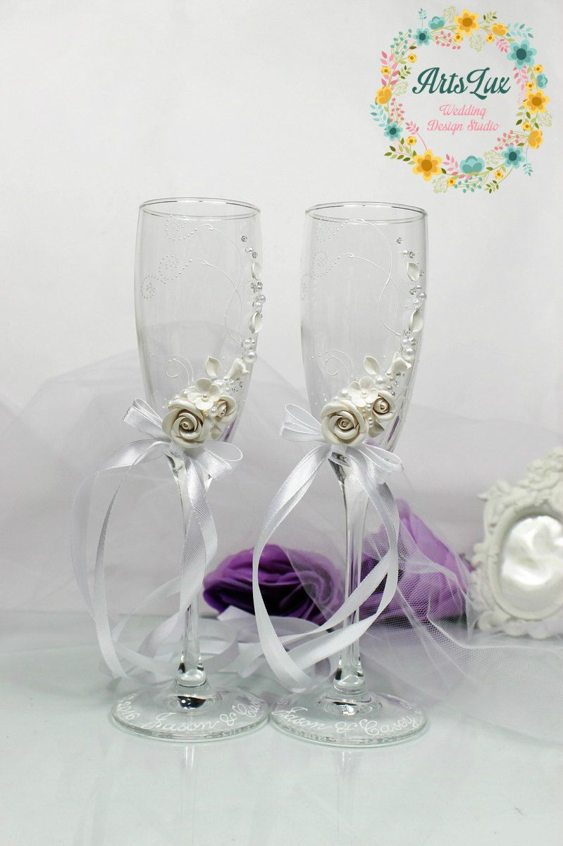 White wedding champagne glasses with beautiful roses-Romantic | pau ...