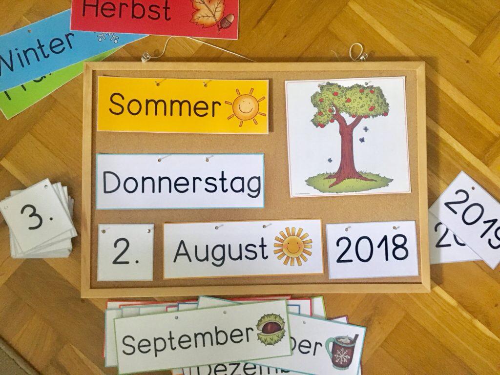 kalender fürs klassenzimmer  frau locke  kalender für
