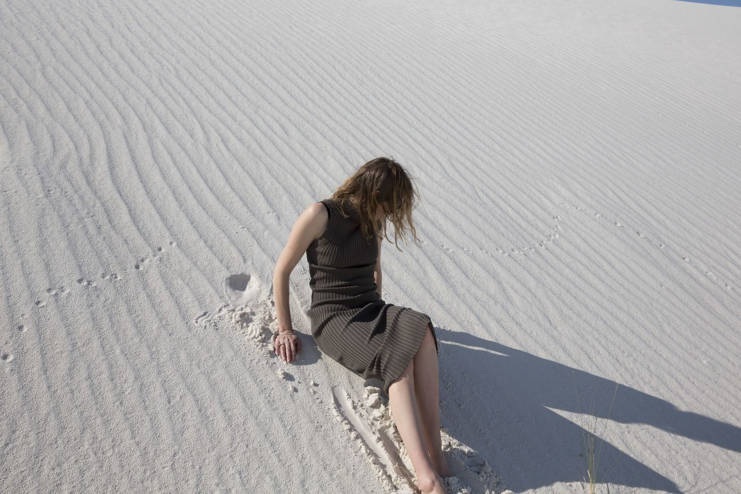 PHOTOGRAPHER | Greta van der Star FEATURING | Kate Megaw of Penny Sage and Sherie Muijs at White Sands in New Mexico