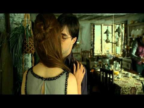 Pin By Shel Holmes On Harry Potter Harry Potter Ginny Harry Potter Kiss Harry Potter Ron And Hermione