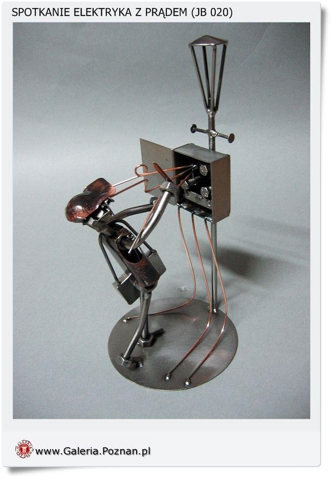 Metalowa Figurka Elektryka Elektryk W Pracy Metaloplastyka Ruschke Nuts Bolts Lamp Decor