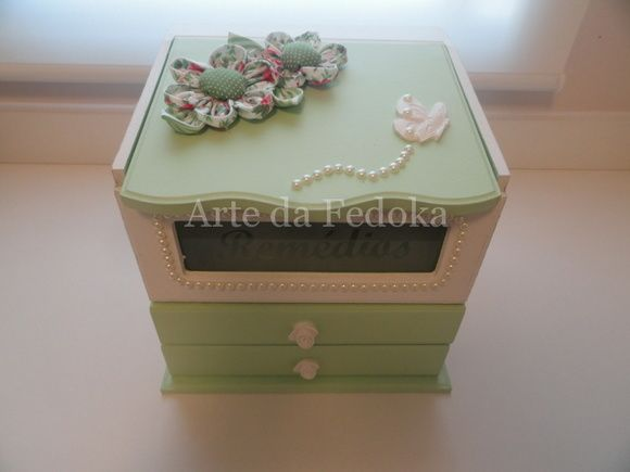 Caixa de remédios Flores