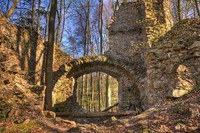 Castle ruins - Bing Images