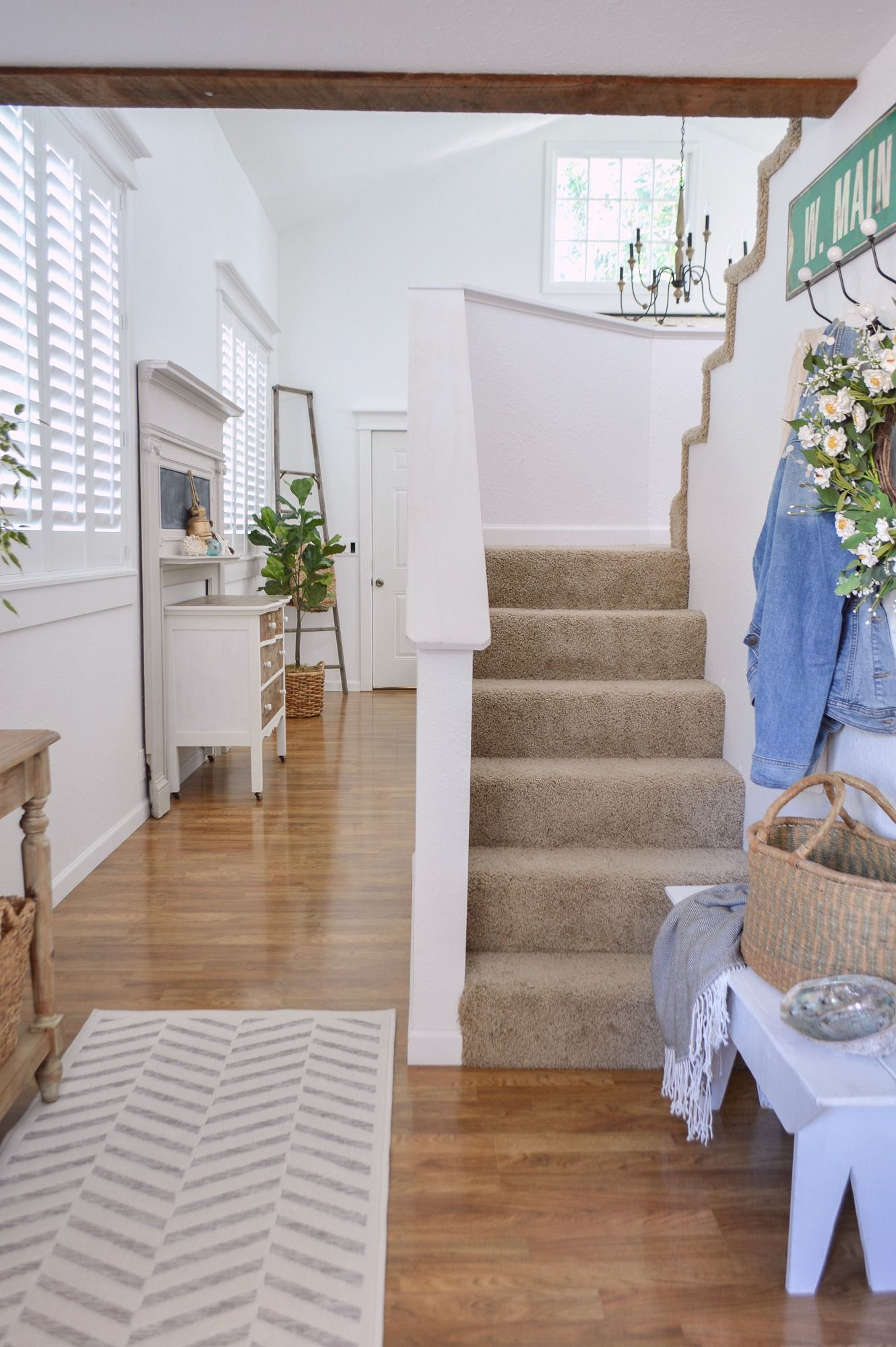 DIY Budget Board And Batten Entryway Makeover at Fox Hollow Cottage