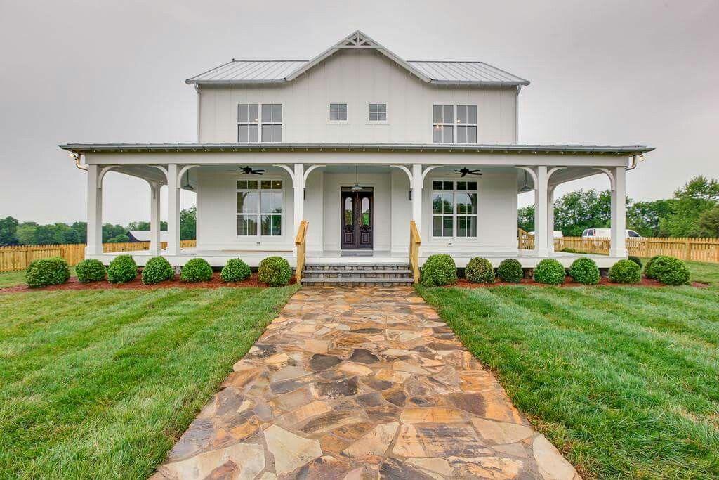 85 modern farmhouse exterior design ideas facebook for Modern farmhouse exterior